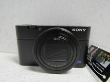 Sony Cyber-shot DSC-RX100 VII 20.1-Megapixel Digital Camera w/Grip