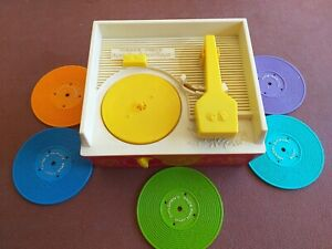 vintage fisher price record player + 5 discs