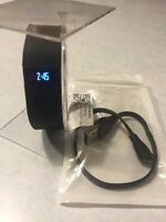Fitbit Charge Large BLACK Sleep Activity Monitor WORKS GREAT. ** WITH CHARGER **