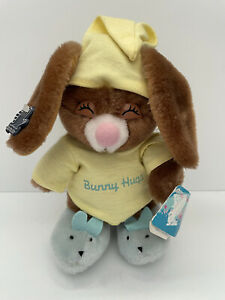 Vintage Applause Bunny Hugs Rabbit Plush in Night Shirt Cap Slippers EASTER NWT
