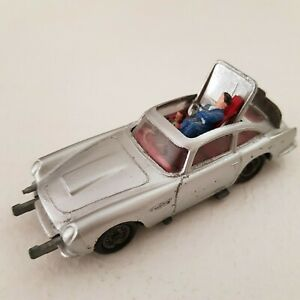 Aston Martin 007 James Bond - Corgi Toys 1° serie, no box, repainted silver