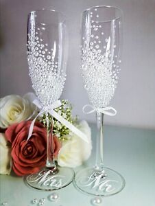 Personalised MR & MRS Champagne Flutes Glasses Wedding Gift