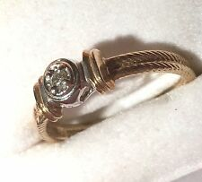 Vintage 10Kt Gold Ring with Small Diamond