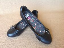Black Flat Shoes / School Shoes Here + There by C&A Size 35 UK 2.5