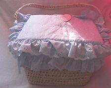 Traditional romany layette panier couches boîte bleu broderie anglaise par kinder