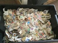 100+ Stamps WORLD OFF PAPER (KILOWARE) picked at random