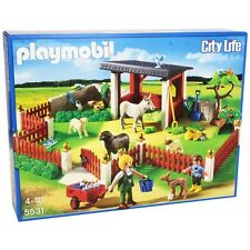 Playmobil City Life Vets Outdoor Care Station - Brand New!