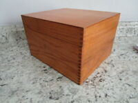 """Vintage Wood Card File 4x6"""" cards by Wayne Novelty.1974 Light Stain Dovetailed"""