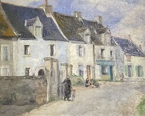 ANTIQUE FRENCH IMPRESSIONIST SIGNED OIL - FIGURES IN OLD TOWN STREET SCENE