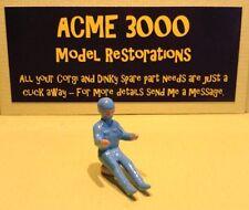 Dinky série 100 reproduction repro Bleu Peint Métal pilote de course