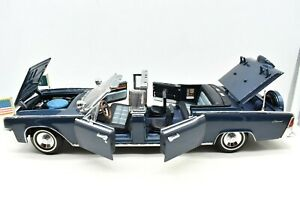 Model Car Lincoln x-100 Kennedy Car Limousine Scale 1:24 diecast vehicles