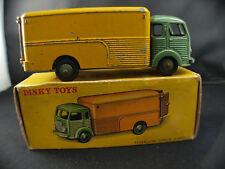Dinky toys F n° 33 A camion fourgon simca en boite