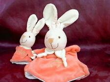 Doudou marionnette lapin rose avec bébé broderie berceau vert  PLAYKIDS