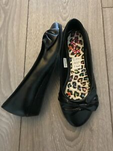 NEW GIRLS BLACK WEDGE SHOES 1 INCH HEEL EVERYDAY SCHOOL PARTY SIZE 10 & 11 SALE