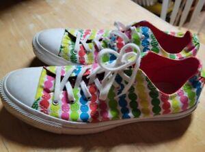 Converse All☆Star Marimekko Rainbow Polka Dot Womens Size 10 low top