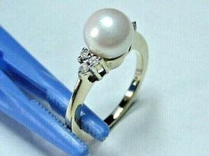 10k Yellow Gold Pearl Ring - (7.3 mm dia.) & 6 - Dia. acc.- Sz 6 - wt.3.15 gm