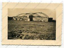 Foto, ausgebrannte Flugzeughalle, Flugplatz Krakau, Polen, a (W)1345