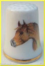 dé à coudre en porcelaine avec un cheval ,thimble  *03