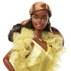 Barbie Signature 1977 Superstar Christie Collector Doll