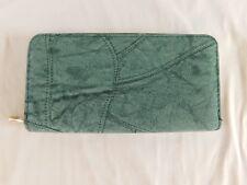 "7-1/2"" Green Vegan Leather ZIPPER WALLET Patch Pattern"