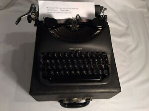 Vintage 1947 Remington Rand De Luxe Model 5 Portable Typewriter W/Case V/Nice