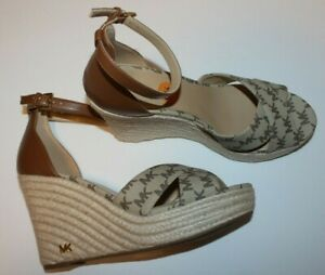 New $184 Michael Kors Signature MK LOGO Wedge Tan Heel Sandal Shoes  8