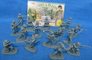 Armies in Plastic #5402 WWI Germans 16 figures in 8 poses, 1/32