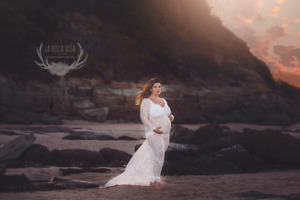 White Lace Maternity Dress Gown With Train - Pregnant Photo Prop - Size 10-14