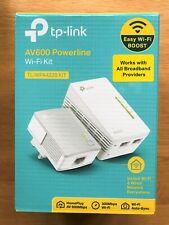 TP-LINK AV600 2-Port WiFi Powerline Extender Kit - TL-WPA4220