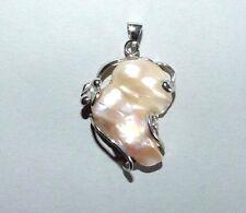 BIANCO 18 carati con pendente placcato oro con grande perla barocca. Abiti da sposa.