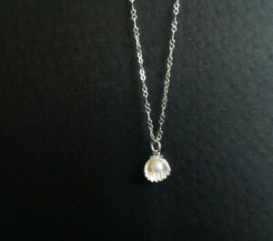 925 Sterling Silver White Freshwater Pearl Scallop Necklace