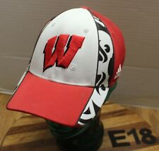 ADIDAS UNIVERSITY OF WISCONSIN BADGERS HAT SIZE S/M WHITE/RED EXC CONDITION E18
