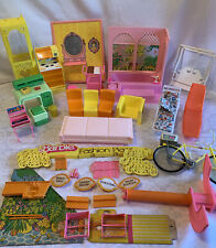 1970's BARBIE FURNITURE & ACCESSORIES LOT Parts For TOWNHOUSE FASHION PLAZA More