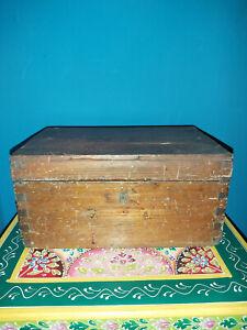 "VINTAGE BOX ""JOHN HOLLEY 24 MESS H'M """