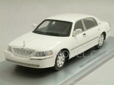 Lincoln Town Car 2011 Vibrant White 1:43 LUXURY 101560