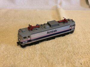 "Atlas Redbox Ho scale Amtrak AEM-7 ""Northeast Direct"" #909."