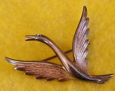 Vintage style solid silver bird brooch. Stamped 925.