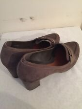Clarks Bonnie Lad Stone Suede court high heals size uk 7 D genuine leather