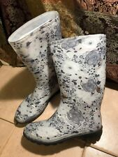 Woman's black and white Flower drench rain boots Sz 11 US tall Pull On Floral