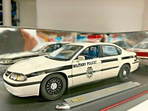 Chevrolet Impala Chevy Military Police Patrol 1/18 Maisto Premiere Very Rare!!!