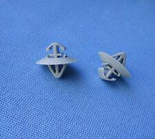 (2213/118a) 20x BARRE ornamentali parentesi Clip Fissaggio Supporto Per Renault, Iveco,