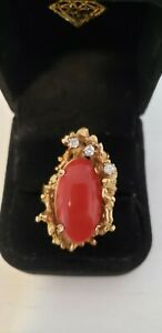 Vintage 18K Yellow Gold Coral-Reef Design With Large Oxblood Coral & 3 Diamonds