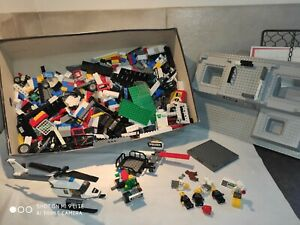 Lot Lego vrac dont commissariat de police + autres