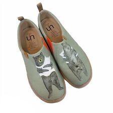 UIN Bear Hug Slip On Canvas Shoes Womens size 10