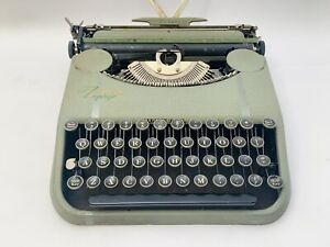 """Vintage Smith & Corona Zephyr Ultraportable Typewriter Only 3"""" Tall  Estate Find"""