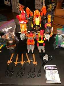Transformers G1 PREDAKING W/ ALL PARTS TO FORM PREDAKING ALL UNBROKEN!!!