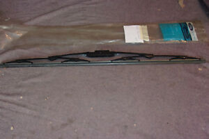 LINCOLN 95, 97 TOWN CAR wiper blade R/L ORIG. FORD NOS