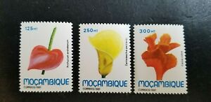 Mozambique 1991 Flowers MNH 3 values