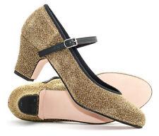 Chaussures, chaussons de danse dorés