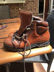 scarpa hiking boots